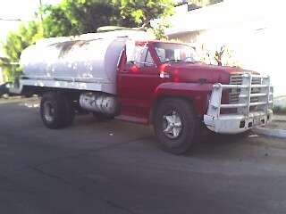 Camion dodge93 volteo y pipa ford 85 10,000 lts