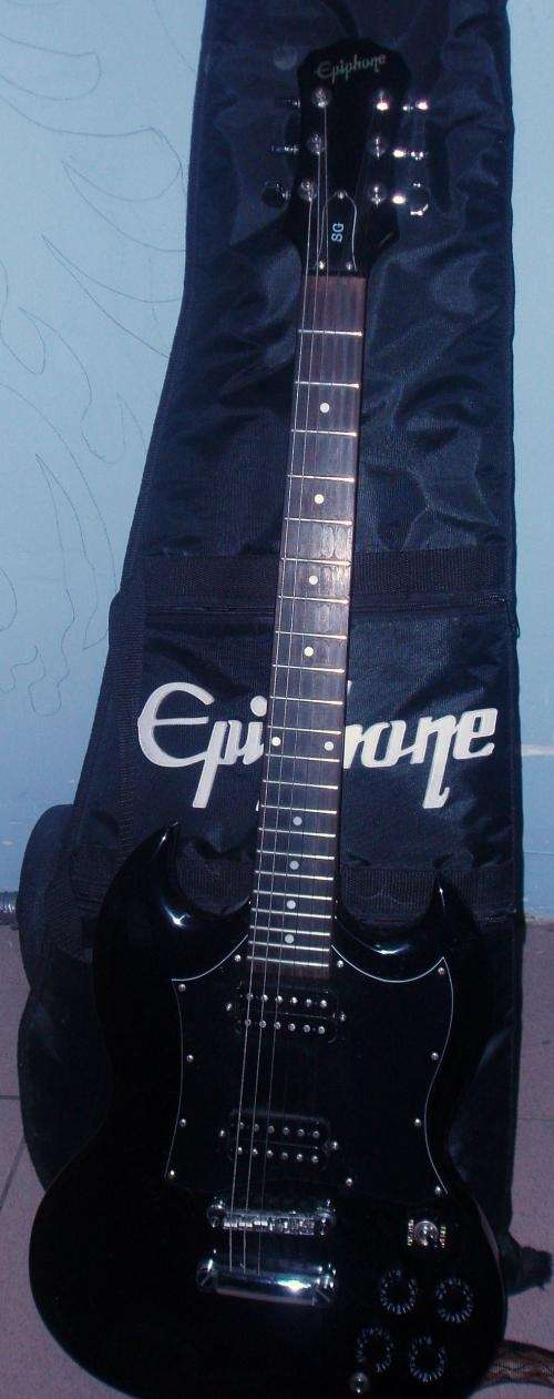 Vendo guitarra electrica epiphone+ ampli laney