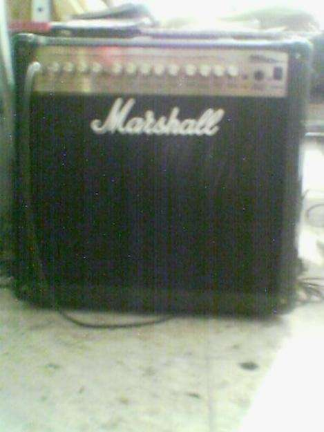 Amplificador marshall mg series 50dfx