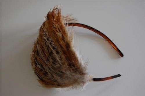 Diademas con finas plumas de faisan y guineas a super precio