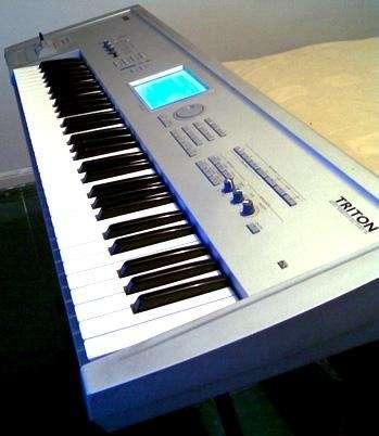 Vendo teclado korg triton classic 61 teclas con sampler