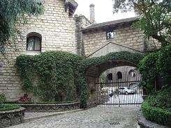 Rento casa estilo medieval en bosque de tetlameya