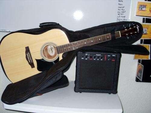 Guitarra electroacústica lyon con amplificador,