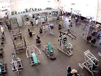 Por liquidacion vendo completisimo equipo de gym
