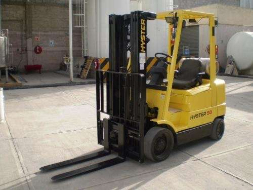 Montacargas 2003 hyster 5,000 lbs