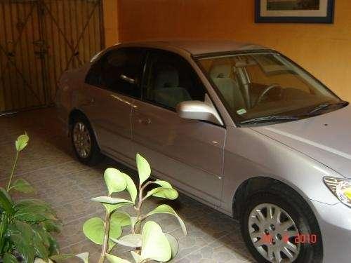 Honda civic 2004 perfecto estado