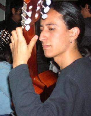 Clases de guitarra clásica y popular, prof unam.