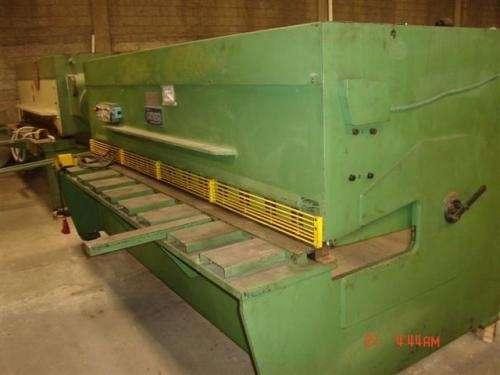 Maquinaria industrial seminueva: inyectoras y extrusoras de plastico