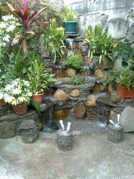 Cascadas de piedra para jardin simple fuente para jardn o for Cascadas de piedra para jardin