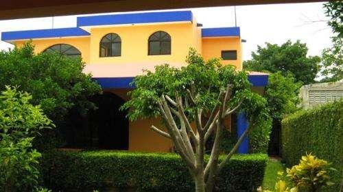 En cholul zona norte casa amueblada de 3 habitaciones con piscina en renta