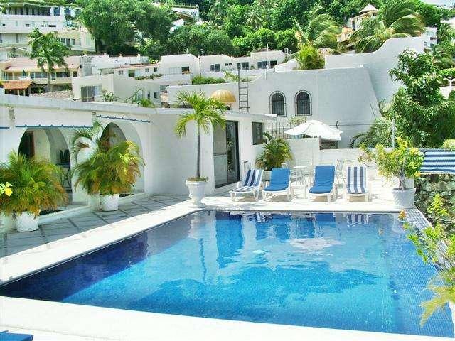 Hermosa casa azul en renta diaria!!!