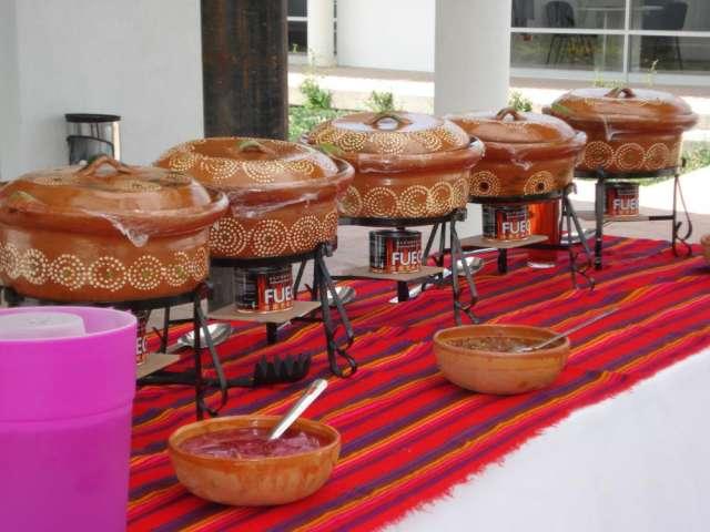 Taquizas las cazuelas de cecy (banquetes tipo buffet a domicilio).