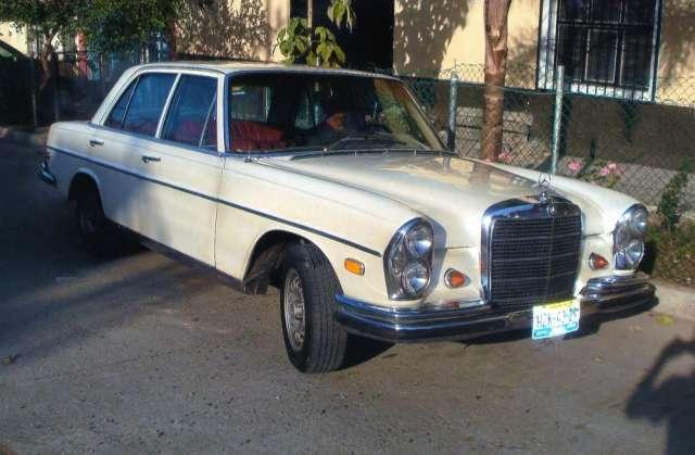 Se vende auto clásico y de colección mercedes benz 250 s año 1968