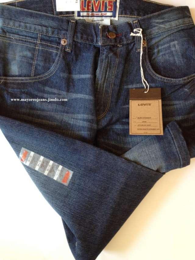 Ropa, jeans y chamarras levis originales