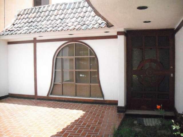 Bonita casa en venta en lomas $2´650,000.00
