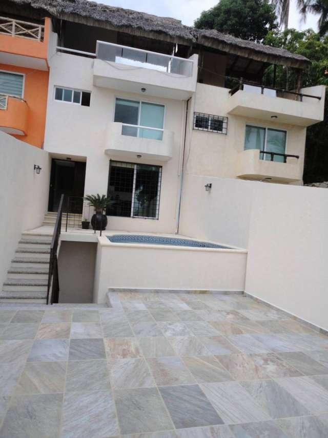 Hermosa villa 3 rec., 2 terrazas, alberca independiente..caleta