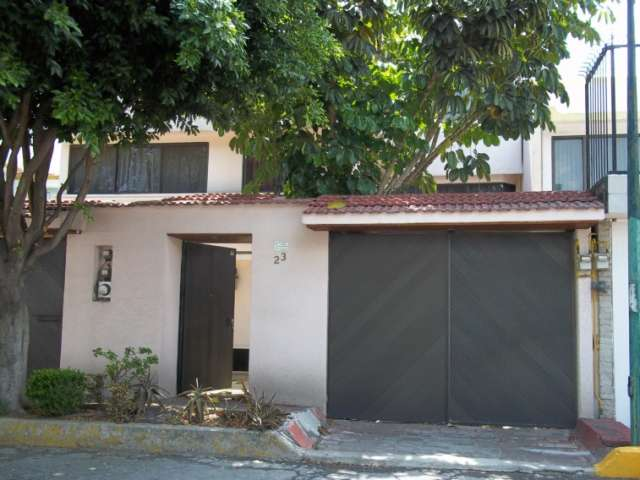 Rento casa en jardines de coyoacan, cerca miramontes