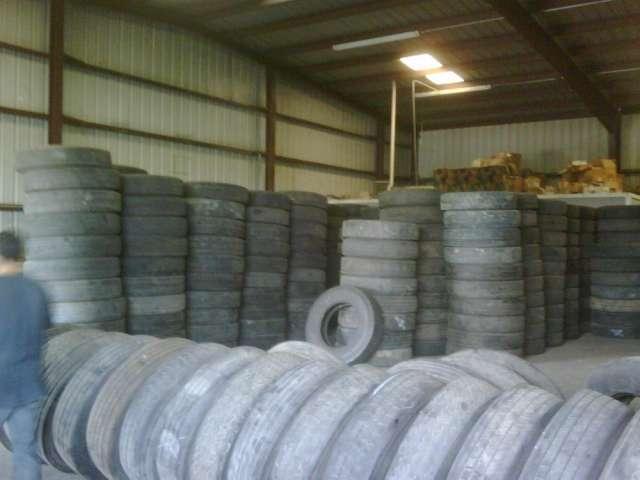 Llantas por contenedor y equipos de trituracion