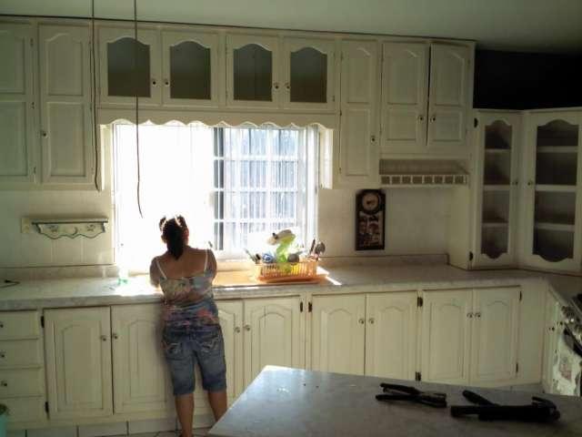 Puertas de madera para cocina muebles de cocina con for Puertas cocina integral