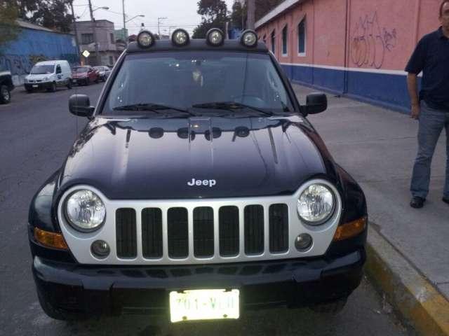 Jeep liberty 2007 4x2 sport limited