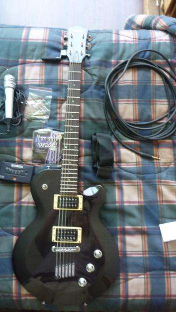 Fotos de Guitarra yamaha aes620 con accesorios (paquete) 6