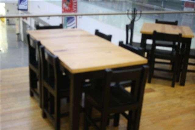 Lote De Sillas Y Mesas Para Restaurante En Remate En Cuajimalpa