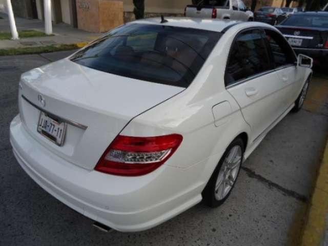 Fotos de Mercedes benz clase c casi nuevo, blanco, una maravilla 2