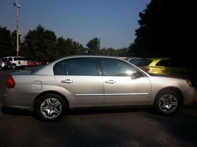 Fotos de Chevrolet malibu 2007 ls, gris plata 1