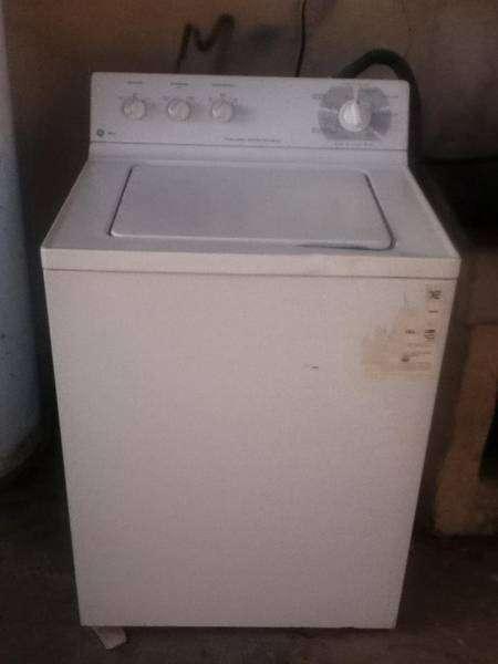 Vendo lavadora ge blanca en muy buenas condiciones