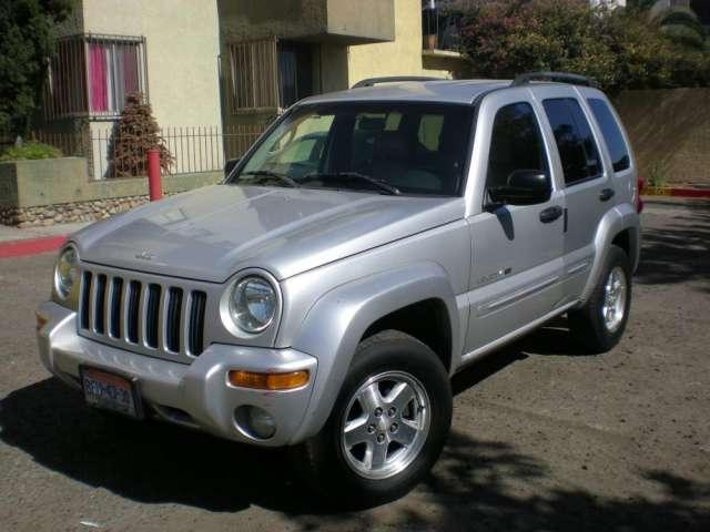 Vendo jeep liberty limited 4x4 2002