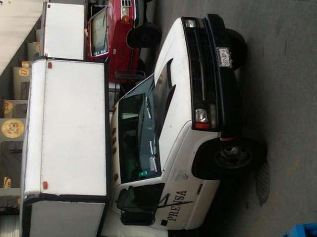 Camioneta chevroles caja seca 1993 vendo