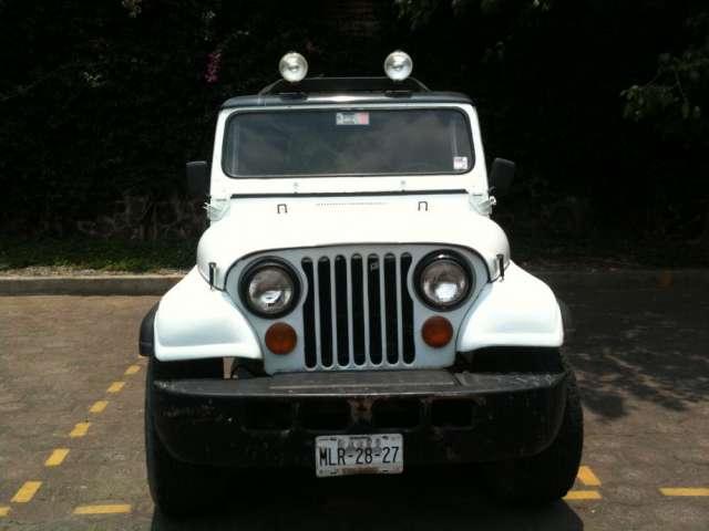 Vendo jeep cj7 impecable 4 x 4 modelo 1985