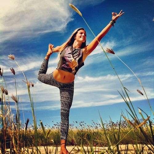 Academia especializada en clases de yoga