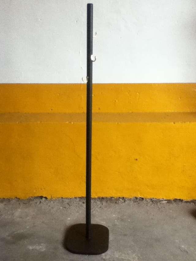 percheros de madera minimalistas - Percheros De Madera