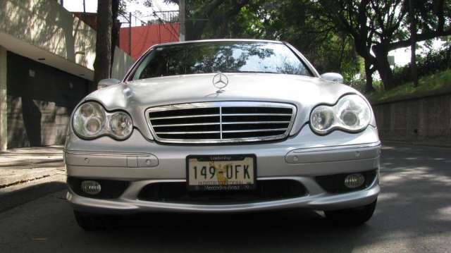 Mercedes benz c-350 2006 elegance, unico propietario: 73,000 kms.
