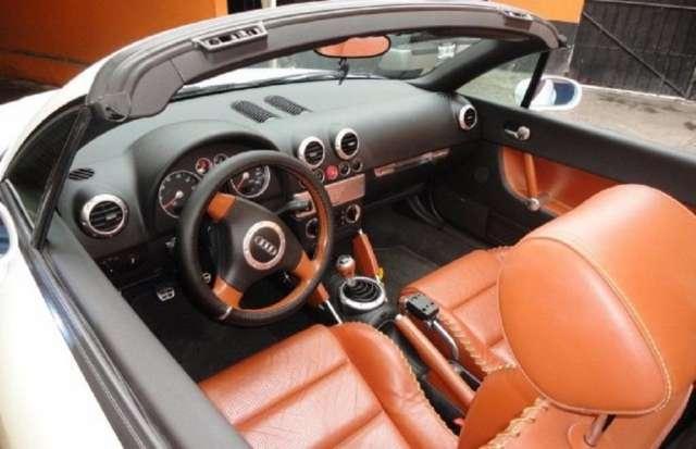 Audi tt 2002 2p roadster quattro $35,000 m.n.
