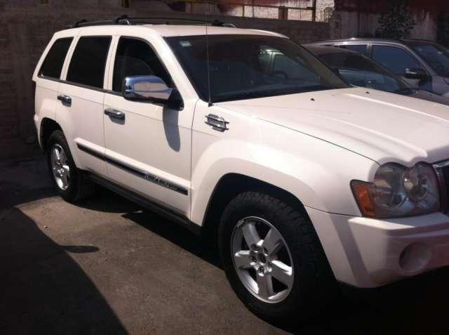 Camioneta jeep grand cherokee limited 2005