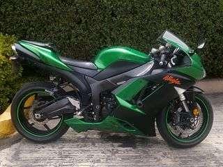 Kawasaki zx6r cambiaria por auto de 4 cil. igual o menor precio