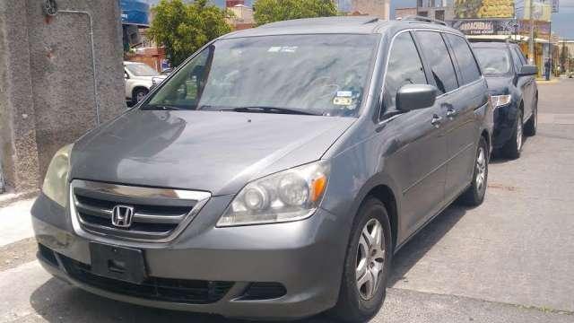 Honda odyssey touring 2007 $ 140,000 piel dvd quemacocos
