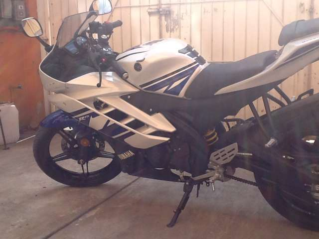 Yamaha r15 solo 68 kms -2014