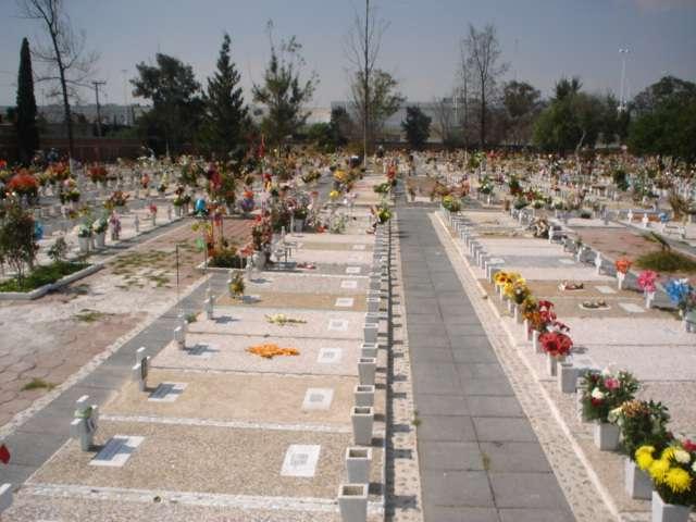 Fosa 2 servicios funerarios jardín guadalupano cd azteca