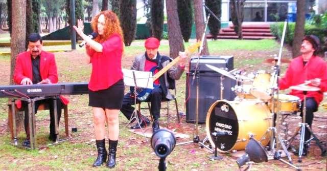 Fotos de Cantante femenina estupenda ideal para eventos giras grabaciones 3