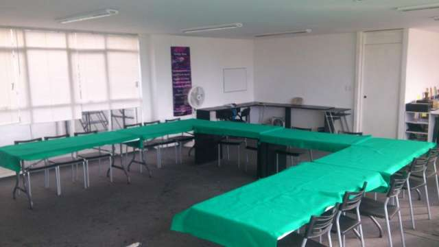 Salon en renta para cursos y conferencias