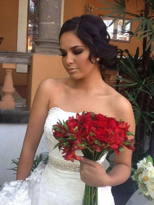 Maquillaje y peinado para bodas a domicilio 5544620902