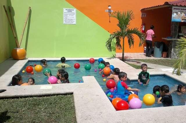 Decorados para fiestas infantiles fabulous celebramos tus for Albercas para fiestas