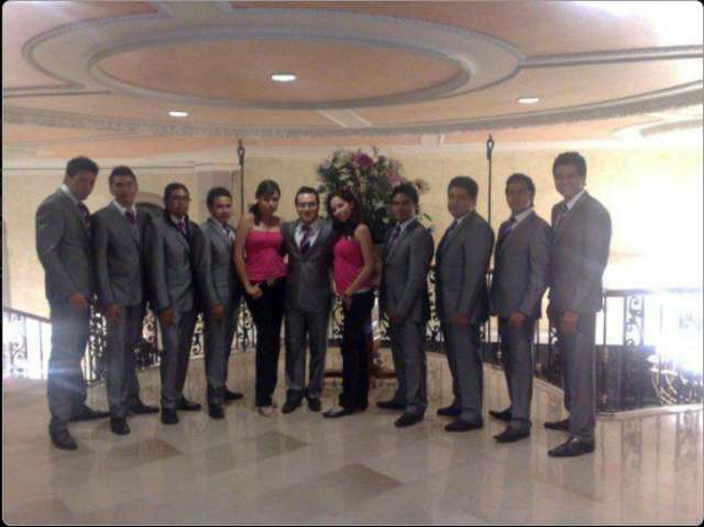 Grupo versátil para bodas y fiestas.