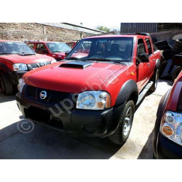 Nissan np300 años 2011 y 2013 diesel