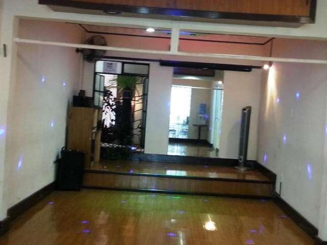 Rento salones para clases de baile