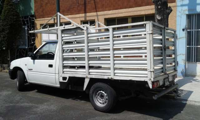 Chevrolet luv estaquitas 2003