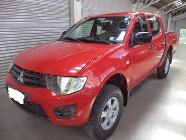 Mitsubishi l200 4x4 diesel 2013